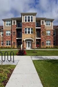 Algonquin Square Apartment Homes