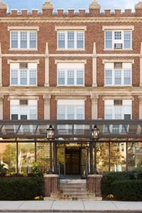 Hampton Court Apartments