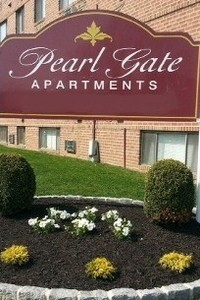 Pearl Gate Apartments